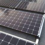 Deze zonnepanelen zijn in opdracht van Albreco geplaatst voor de klant. Met zonnepanelen kunt u stroom opwekken en deze gebruiken voor uw warmtepompinstallatie.
